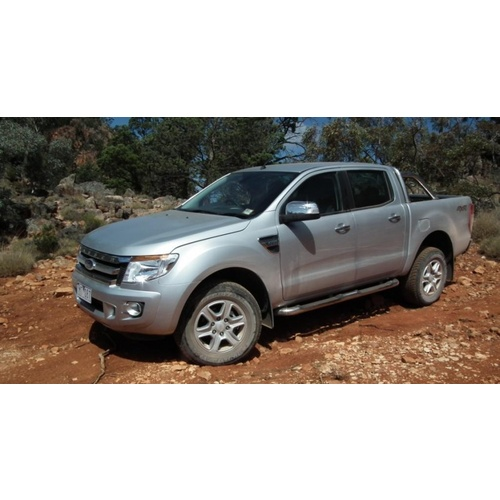 Ford FX Ranger Double cab (2012 - present); 2 fronts with airbags, solid rear bench with armrests